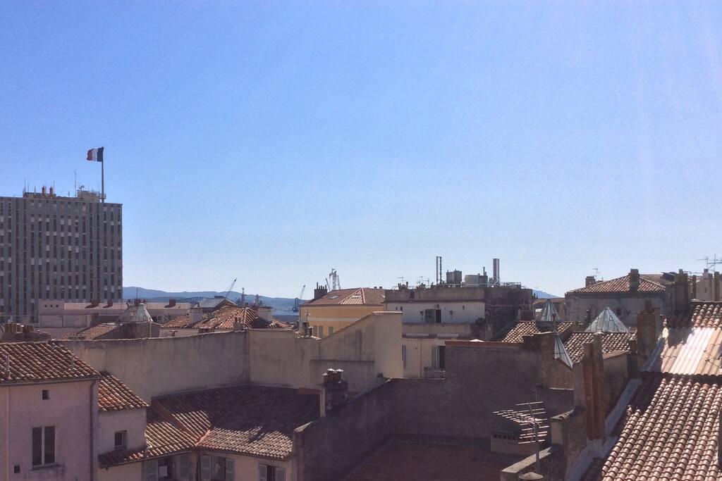 Vue à 180° sur les toits de la vielle ville