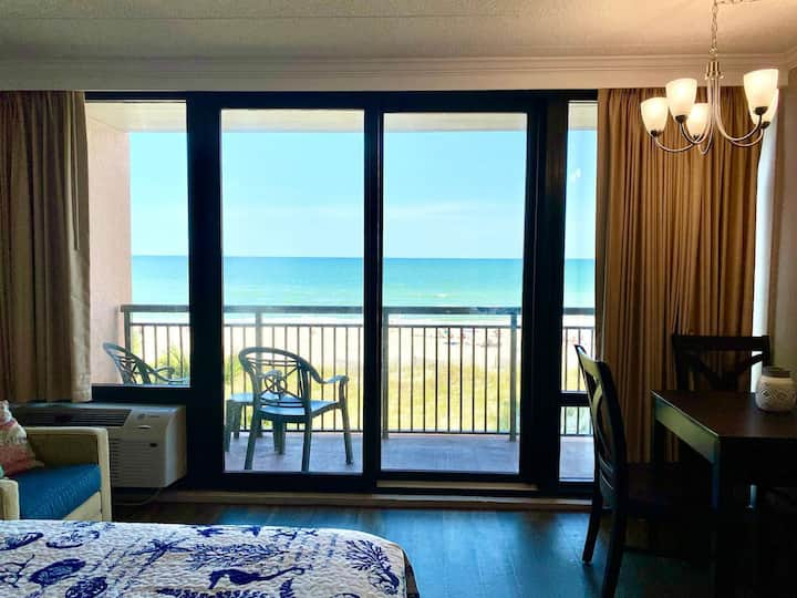 ★OCEANFRONT ON THE SAND★ ♛Queen Beds ★Great Pools, Hot Tubs+★TSt