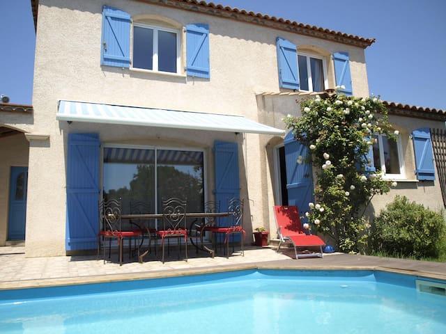 Maison climatisée avec piscine à 15 min des plages - Gigean - House