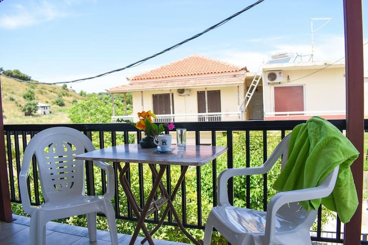 Spacious studio just 150m to the beach