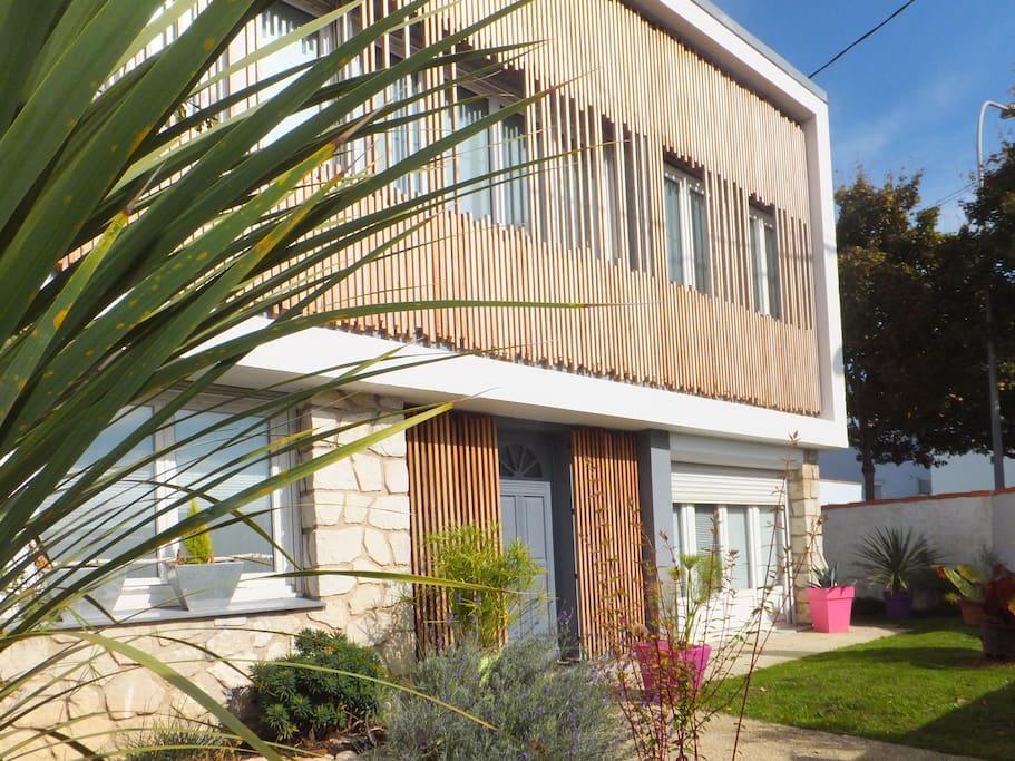 Ch maison d 39 architecte art bala chambres d 39 h tes for Architecte charente