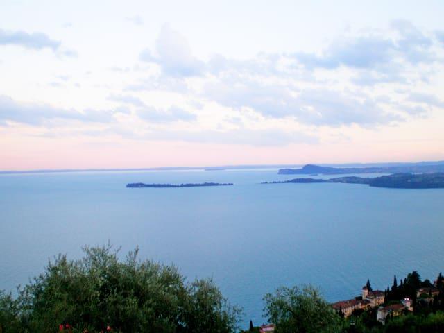 Bilocale splendida vista lago - Toscolano-Maderno - อพาร์ทเมนท์