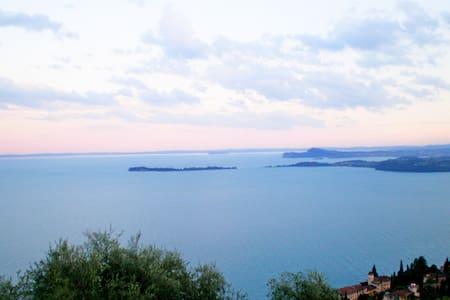 Bilocale splendida vista lago - Toscolano-Maderno