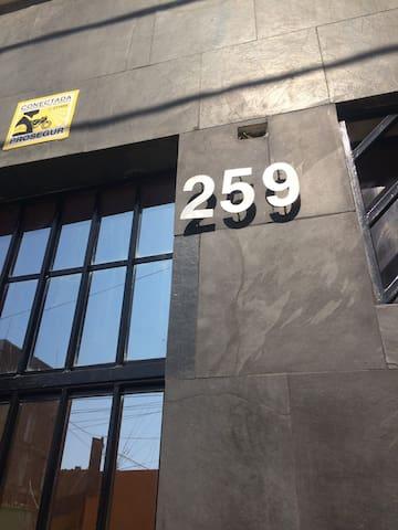 Mini Apartamento en tercer piso - Centro de Ica