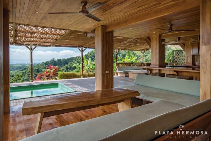 ☀︎ HUGE 4 BR House, Pool & Ocean View - Sleeps 14