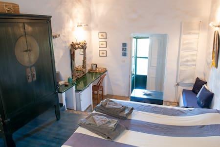 Leros ; Psilalonia : Chambre Bleue - Leros