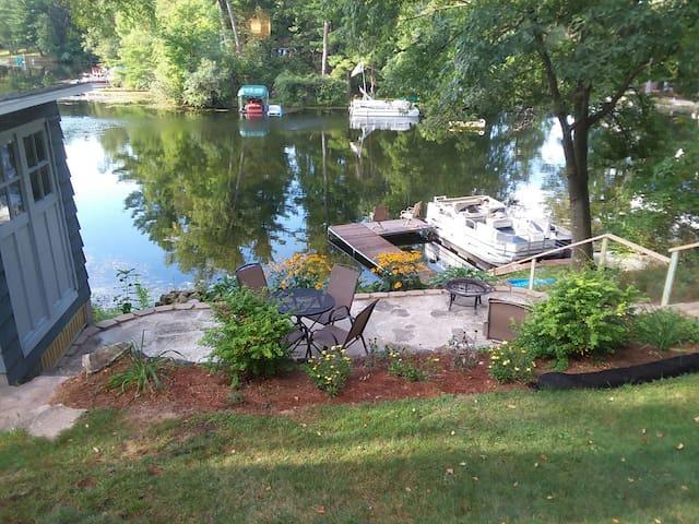 Morris Lake Summer Cottage
