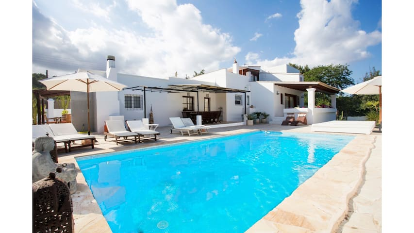 Casa Carolle is a lovely 6 bedroom villa with private pool located near to Ibiza Town
