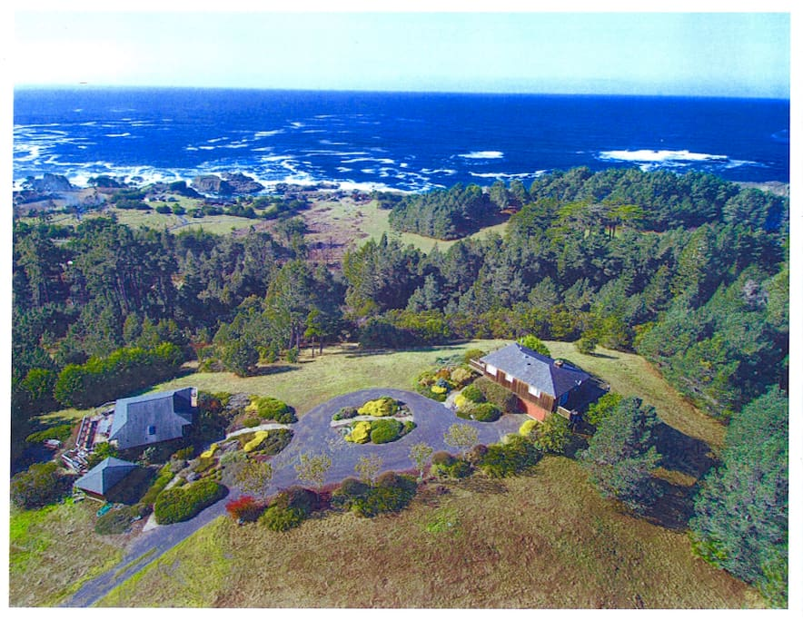 Seaview Estate Cottage on 10 landscaped acres with panoramic ocean views.