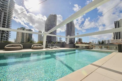 Ocean View, Broadbeach, private room with ensuite