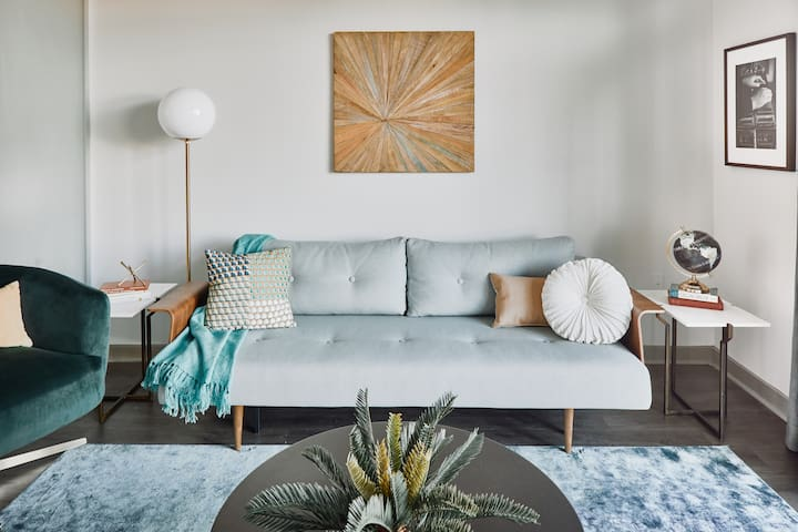 The Guild in The Gulch | 1BR + Den Suite