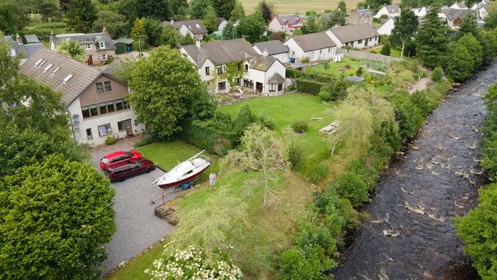 Riverside Apartment  Drumnadrochit  Loch Ness