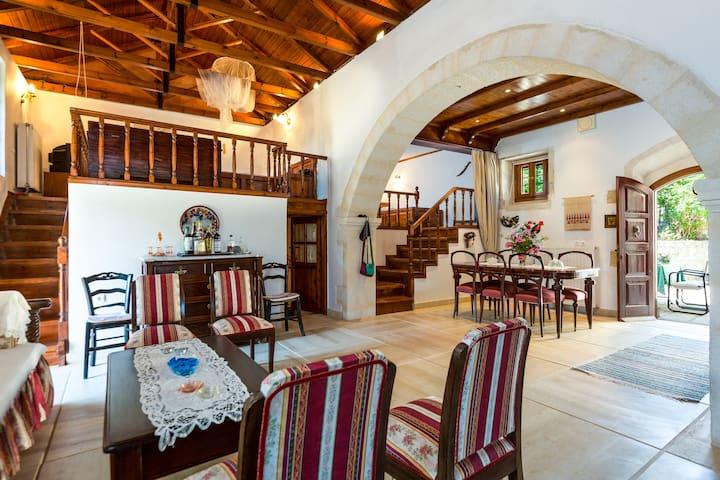 Casa Philoxenia - Armeni - Şehir evi