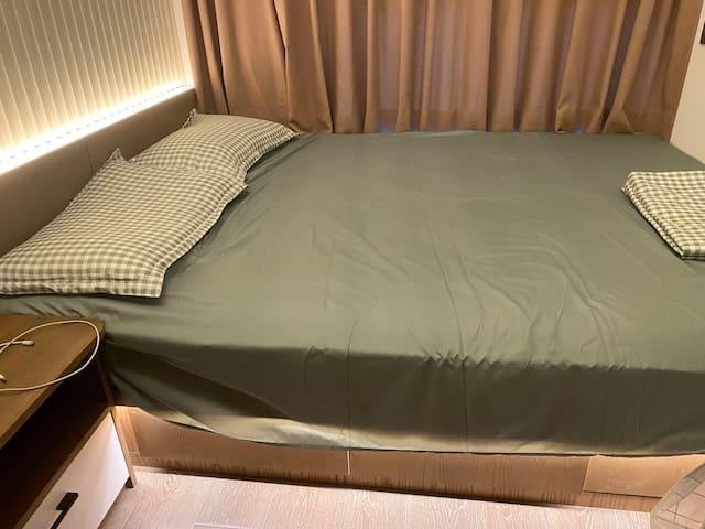 房间1.5×2米的床
