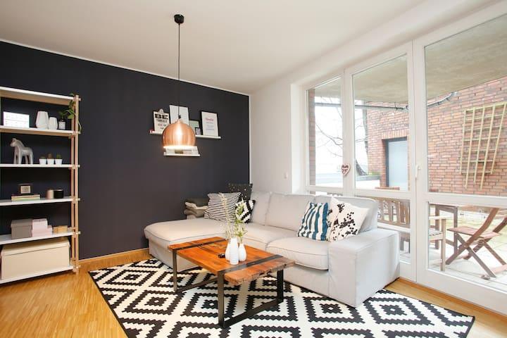 Großzügige 3 Zi im Szeneviertel, elbnah, zentral - Hamburgo - Apartamento