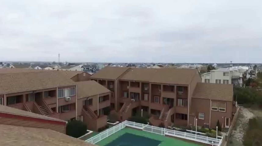Beachfront Condo with  great ocean views and pool!