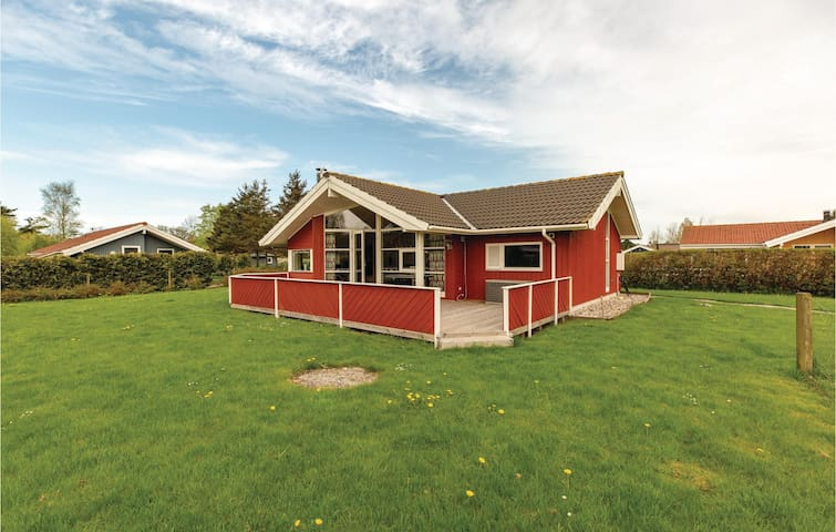 Holiday cottage with 2 bedrooms on 72m² in Skælskør