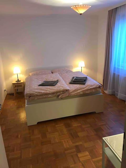 Modernes Zimmer für 2/ modern room for 2
