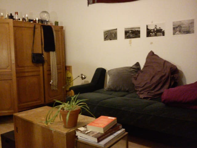 Room in Kreuzberg, Dec. 5-14