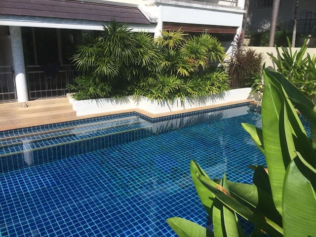 Direct pool access with 100 meter pool
