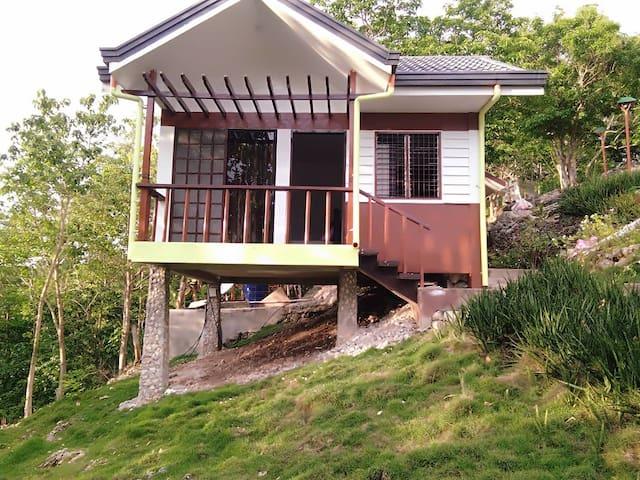 Amoaj Hilltop Residence
