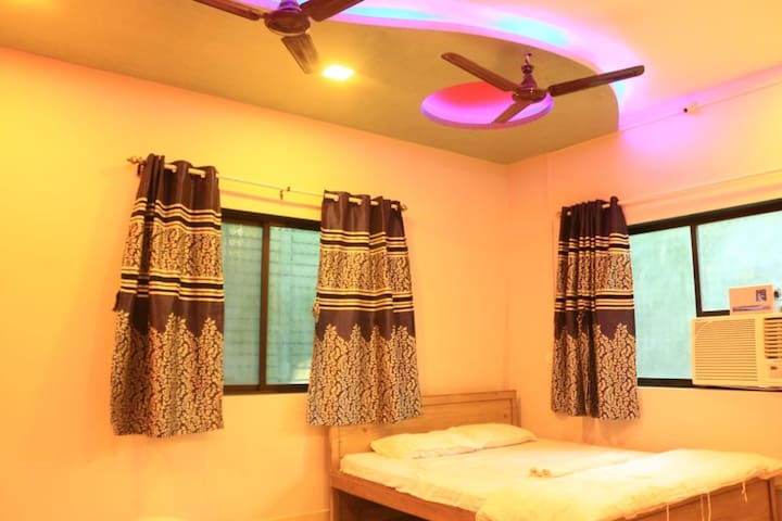 Deluxe Ac Room for Alibaug 2 to 4 people
