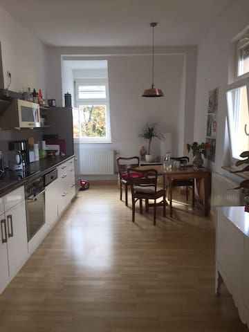 54m2 LIVINGSPACE //NICE ROOM IN A WONDERFUL FLAT