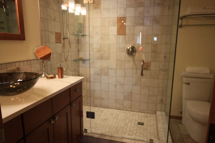 Double shower and organic amenities