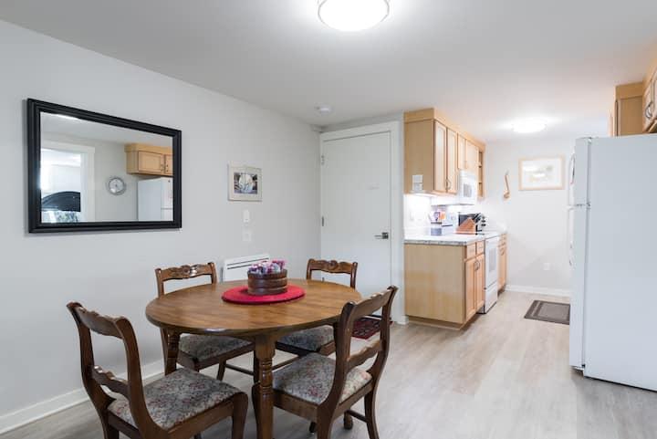 Cozy, Convenient Sellwood Retreat