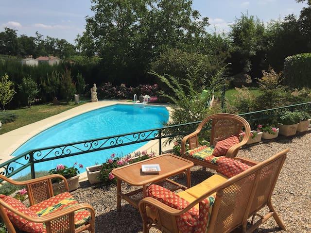 chambre privée dans villa - Bergerac - Talo