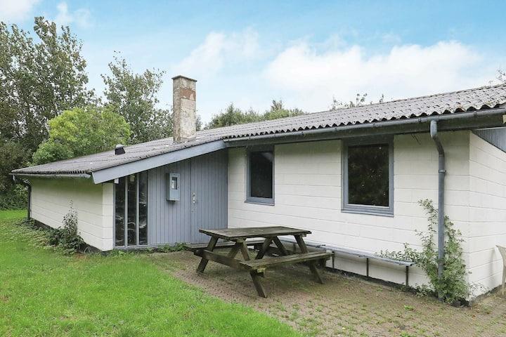 Agréable maison de vacances à Vestervig avec terrasse