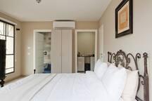 Amazing Studio $35m 1BD with balcony