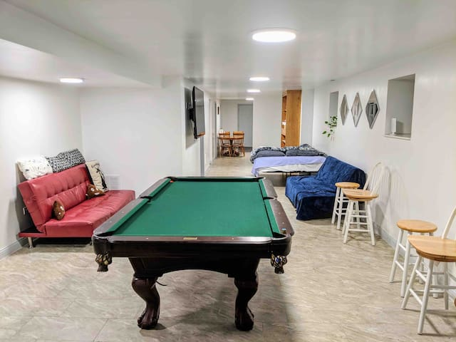 🌟 Spacious 1 BR 2 beds 12min to DT with parking🌟