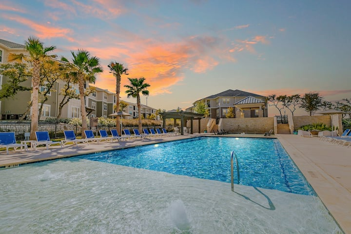 Dolphin Lux | Lackland AFB | SEA WORLD | Pool