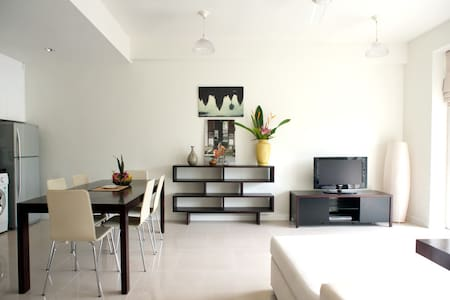 Luxury Apartment with Private Garden + Riverview - Krong Siem Reap