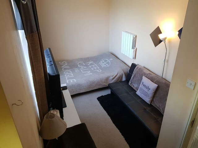 Self contained ensuite room with separate access.