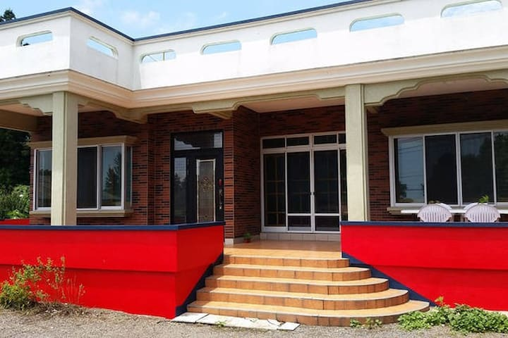 JJ House는 하루 한팀에게만 집전체를 빌려주는 프라이빗 렌탈하우스 입니다. - 서귀포시 - House