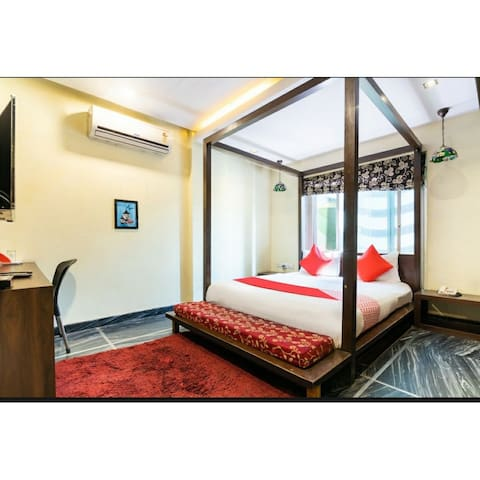 Luxury Deluxe Suite for Parties/Couples for uptu 3
