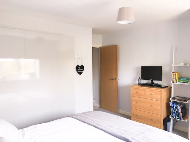 The Townhouse Hamble Private room in cosy home