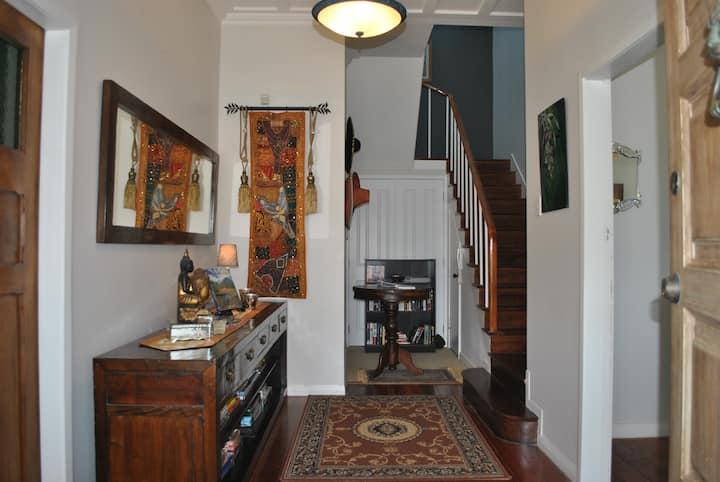 Guest Suite  in Century-old Homestead (Glendowie)