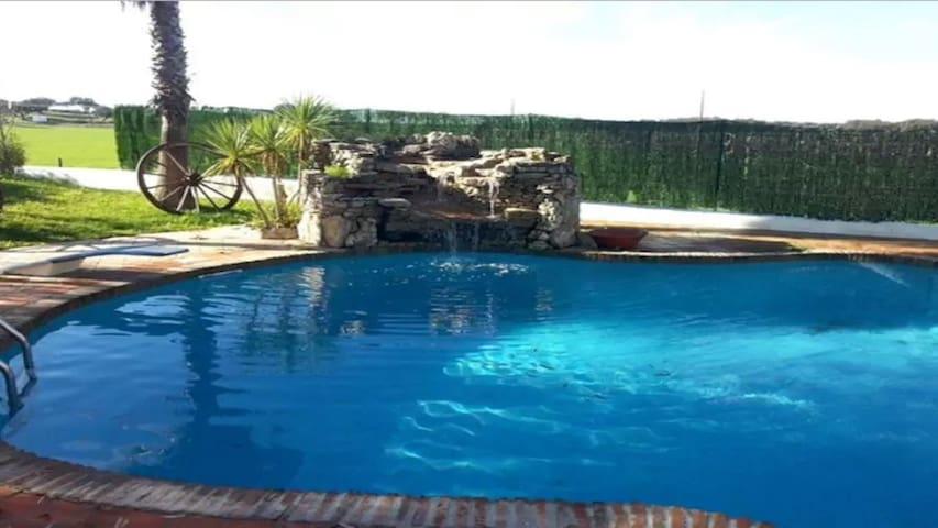 Casa c/piscina e barbecue, Ourique by iZiBookings