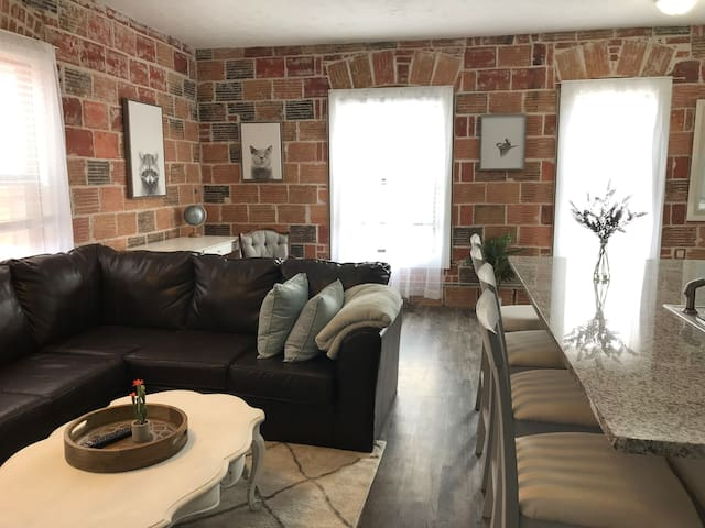 ⭐️Gorgeous Downtown Apartment with King Bed⭐️