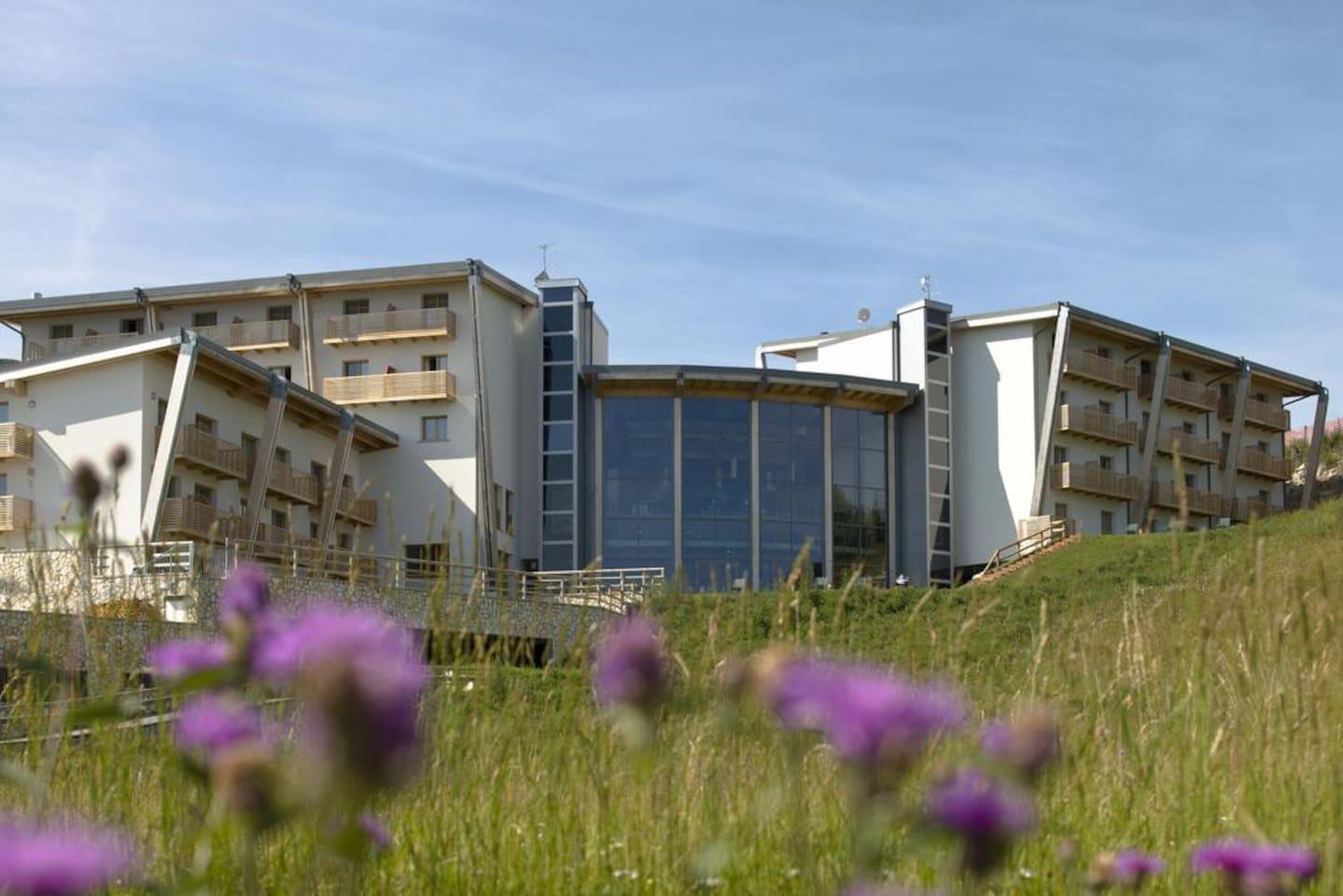 Il complesso, albergo e residence