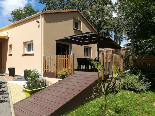 Gite 2* , 55 m², 2/4 pers, neuf, 20 min plages