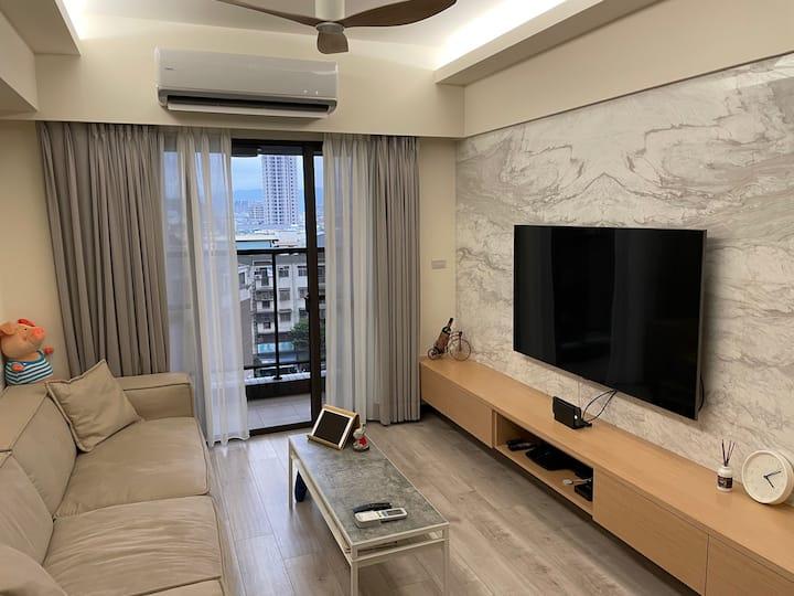 近台鐵/捷運大慶、五權車站的乾淨溫馨小公寓