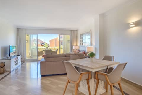 Modern apartment Bahia de Marbella, 4 people