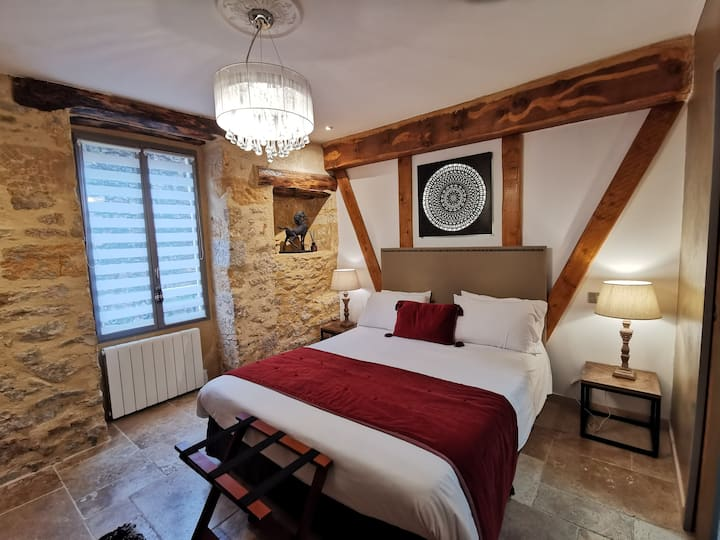 YOUR LOVELY COCOON IN THE HEART OF SARLAT