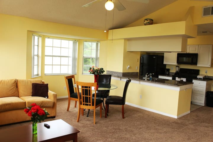Beautiful 2Bedroom Condo Close to Disney-Universal