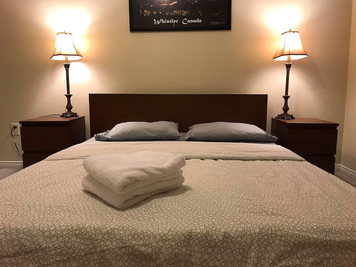 ComfyQueenBed (STOCKYARDS/JUNCTION) NoCleaningFee