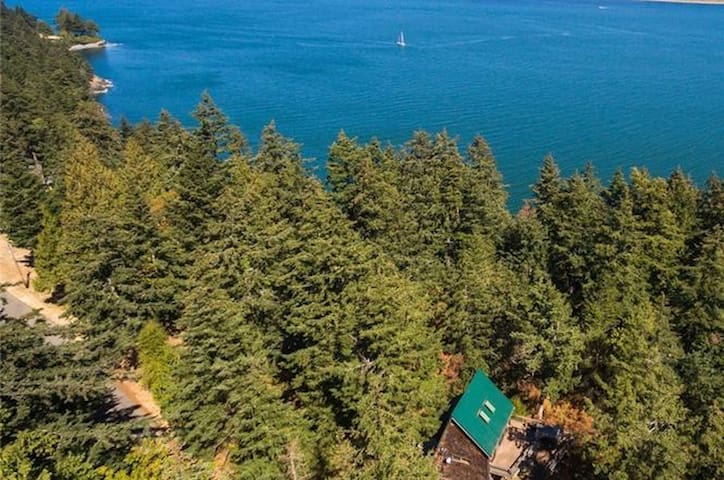 NEW! Lummi Island Family Adventure Cabin